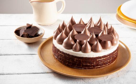 Bolo Mousse de Chocolate com Cookie