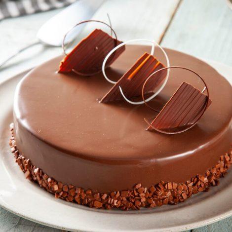 Bolo de chocolate cookies and cream noir